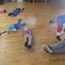 PE Monday – Body shapes and body movements